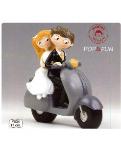 Figura pastel novios Pop & Fun en scooter 17cm