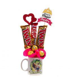 Taza con chocolate para el día de la Madre